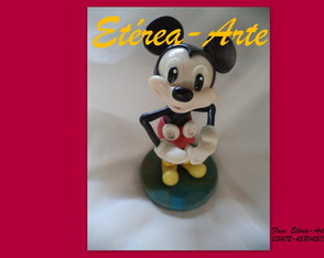 mickey-musse-curioso-mickey
