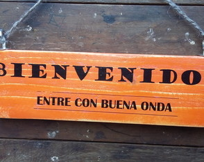 carteles-vintage-con-frases-madera