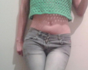 crop-top-al-crochet-top-al-crochet