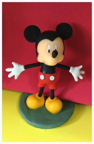 Mickey Mouse en porcelana fr�a