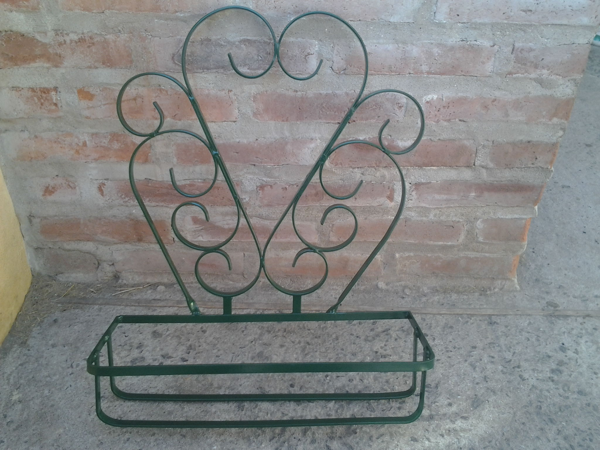 Macetero de pared en hierro forjado forjas del alma elo7 for Decoracion para pared en hierro