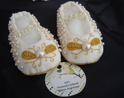 Zapatitos de tela bordados