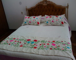Pie de cama bordado mexicano
