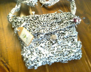carterita-eco-friendly-gris-plata-carteras-de-vestir