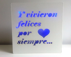 velador-led-all-you-need-is-love-laito-enamorados