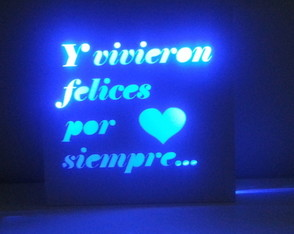 velador-led-all-you-need-is-love-laito-cuadro