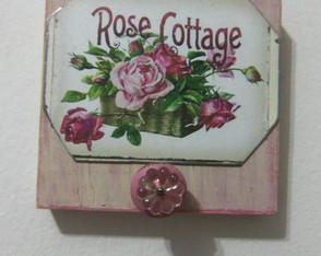 perchero-estilo-antique-rosa-chapa