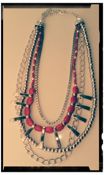 "Collar ""Multiest"" plateado"